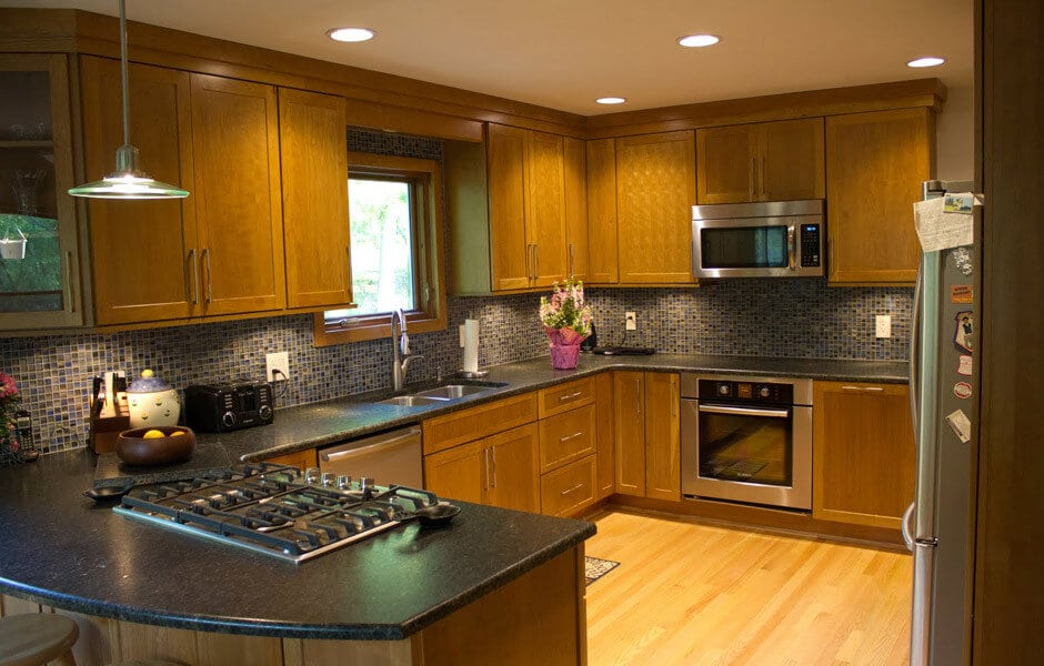 An example of contemporary kitchen remodeling